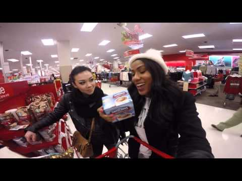 SHOPPING FOR DORM ROOM: Vlogmas Day 1