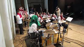 Solo on drums with a towel on his head - Drummer Daniel Varfolomeyev 13 years