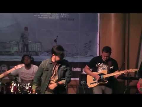 "Sobat - ""Jatuh Cinta"" (Live @ Charity 4 Sinabung Concert)"