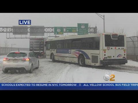 NJ TRANSIT Bus In Trouble In Secaucus