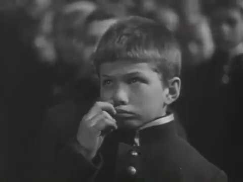 Михаил Жаров, Фаина Раневская...  Человек в футляре (1939).