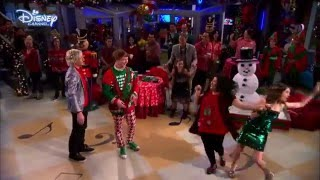 Austin & Ally (Ross Lynch and Laura Marano) - A Perfect Christmas Song [HD]