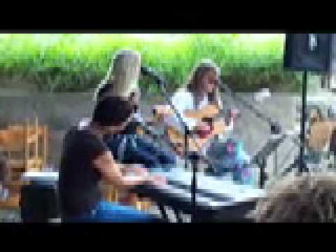Kathy Phillips Trio at Alba Vineyard 8.15.10.mov