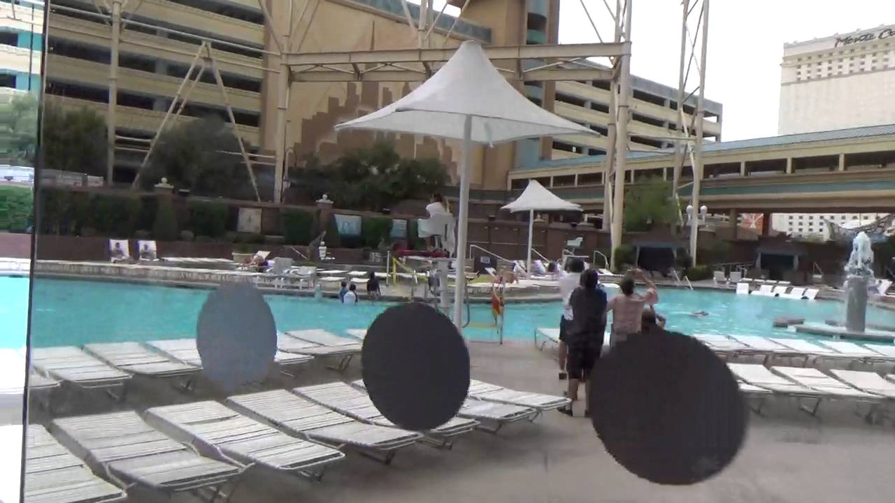 Las Vegas Hotel New York New York Inside and Pool