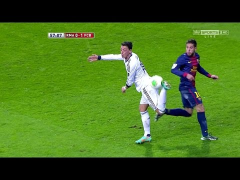 Mesut Özil vs Barcelona (Home) 12-13 HD 720p by iMesutOzilx11
