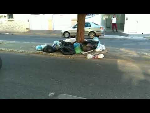 Lixo se acumulo em pontos da cidade de Patos
