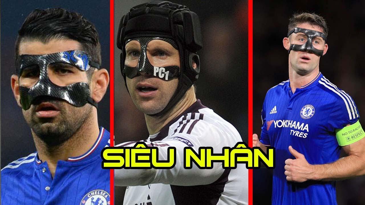 Top 25 cầu thủ nổi tiếng phải đeo mặt nạ để thi đấu.