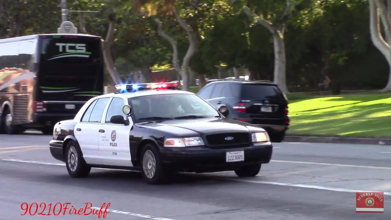 LAPD Crown Vic Responding Code 3 in Beverly Hills - YouTube