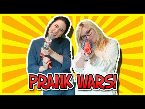 Thumbnail: STARTING A PRANK WARS IN LITTLE CLUB HQ! Kelly and Carly Vlogs