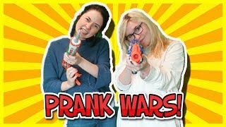STARTING A PRANK WARS IN LITTLE CLUB HQ! Kelly and Carly Vlogs