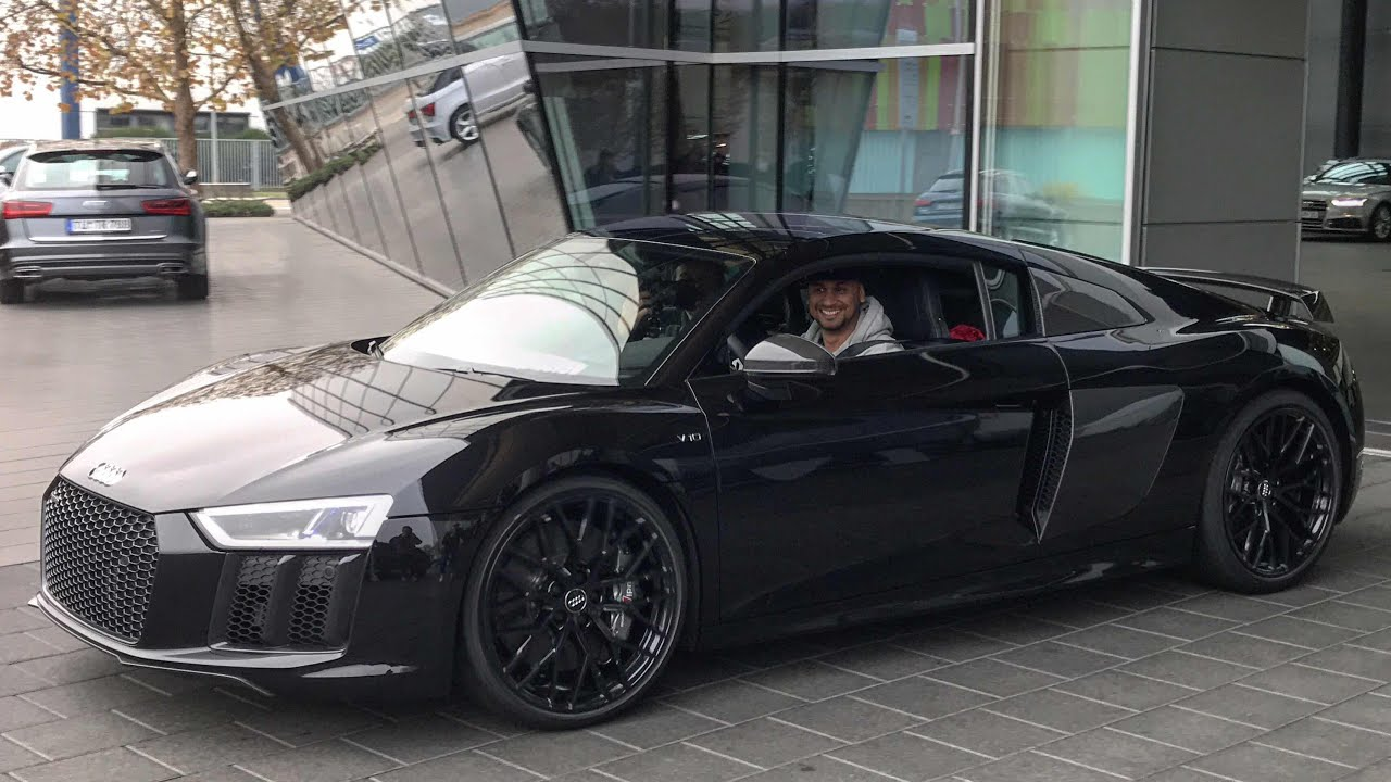 JP holt seinen R8 ab + Soundcheck Audi R8 V10 Plus - YouTube