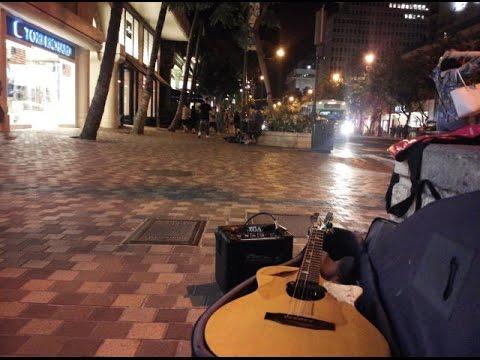 Begging in front of Outrigger Waikiki Beach Resort, Hawaii, USA 2016.05.09 200227