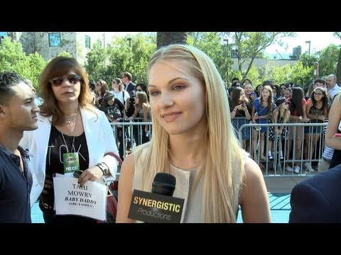 Claudia Lee  How to Play a Queen Bee  KickAss 2