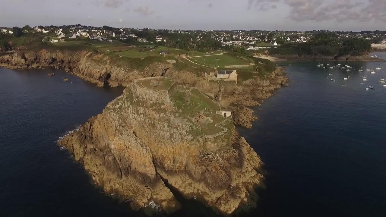 Vue Du Camping Les Terrasses De Bertheaume Et Le Fort De Bertheaume Par Un Drone