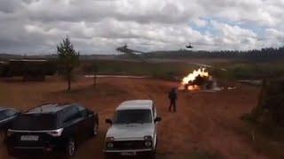 Вертолёт Ка-52 произвёл выстрел в людей полигон «Запад-2017» (полное видео трагедии)(, 2017-09-20T08:09:30.000Z)