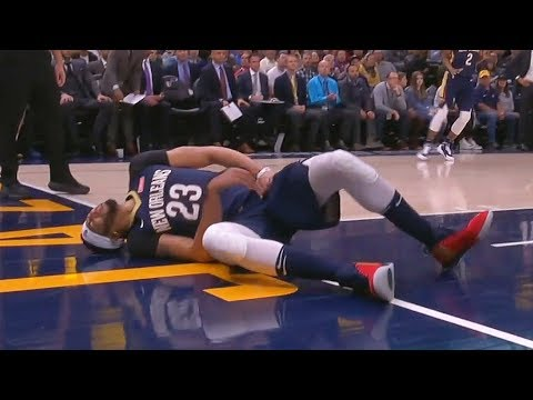 Anthony Davis Scary Injury - Gets carried of the court
