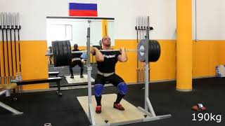 weight rack falls over after squat - 1005096