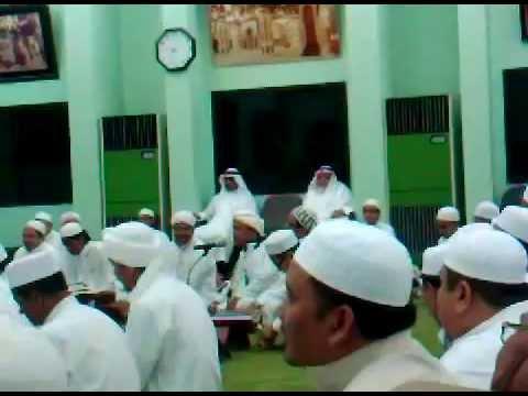 kh hasan muayyad ft putranya kh muhammad hasan djauhary @bersama abuya sayyid ahmad almaliki