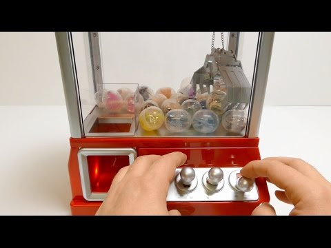 Toys Grab Candy Machine with Surprise Toys ガムボールマシーン
