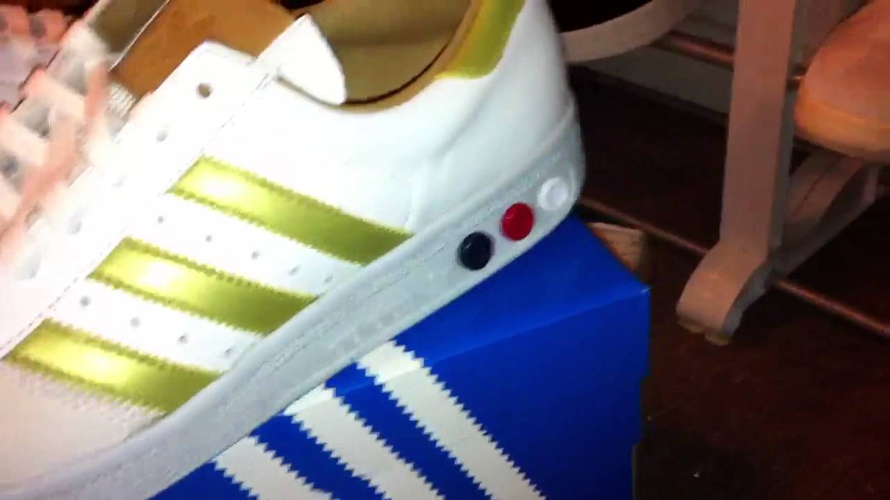 Adidas Grand Slam OG (white gold) unboxing - YouTube d479342d0