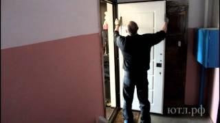 Замена мдф накладки на входной двери.(Установка и замена обшивки на входных дверях в Казани.Современная технология ремонта металлических дверей..., 2016-03-17T12:55:42.000Z)