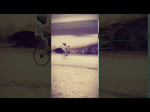 Çılgın bisikletçi (retron-dandini dandini dastana) klip 2