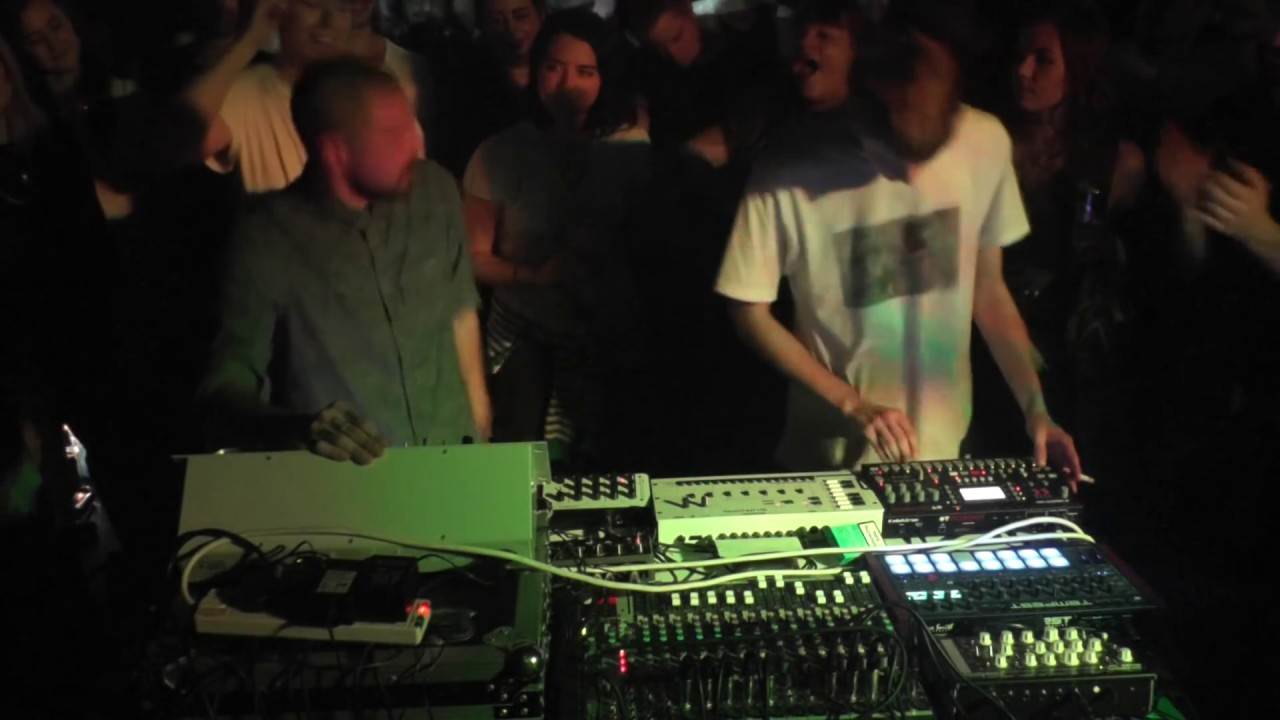 Karenn Boiler Room Set