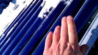 Solar hot water heater in extreme temperatures