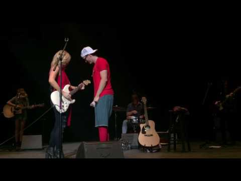 Friends in Low Places - Bobby Bones & The Raging Idiots