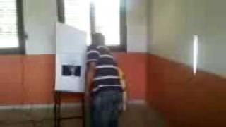 Mesário interferindo a votação no povoado do município de Santa Rita
