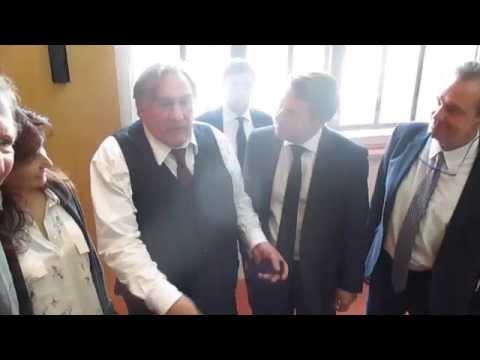 """Gérard Depardieu : """"Marseille, j'aime beaucoup, ça parle algérien..."""""""