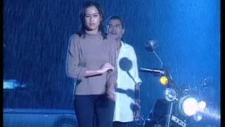 Download lagu Budak Kacamata - Memendam Rasa (Official Music Video)