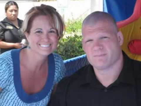 wwe kane with fans - YouTube