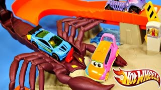 CARS Hot Wheels Scorpion Takedown Race Track Color Shifters Disney Pixar Cars 2 Toys