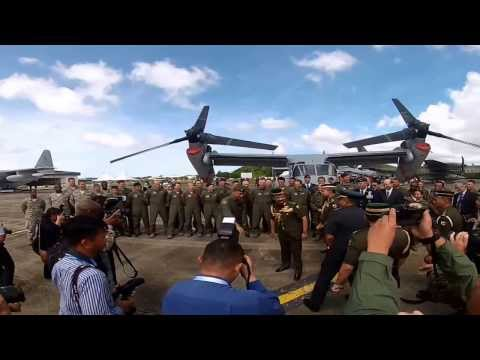 The Sultan of Brunei Tours U.S. C-17, C-130 and MV-22B Aircraft During BRIDEX13
