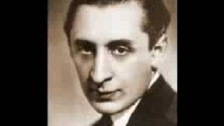 Vladimir Horowitz plays Schumann Sonata No. 3 (2/4)