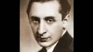 Vladimir Horowitz plays Schumann Sonata No. 3 (2/4)