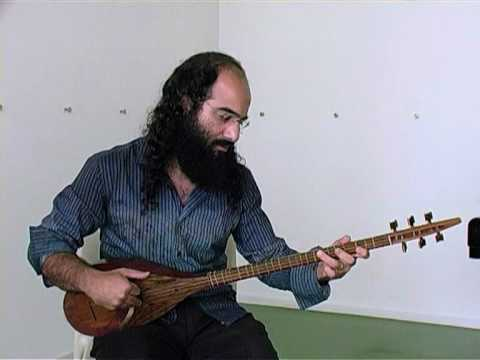 Kiya Tabassian demonstrates the setar