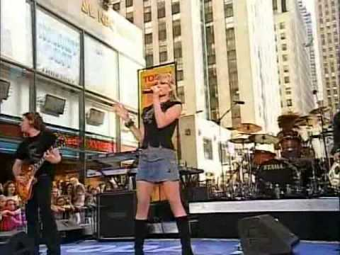 Hilary Duff - Break My Heart Live at Today Show 18-08-05 mp3