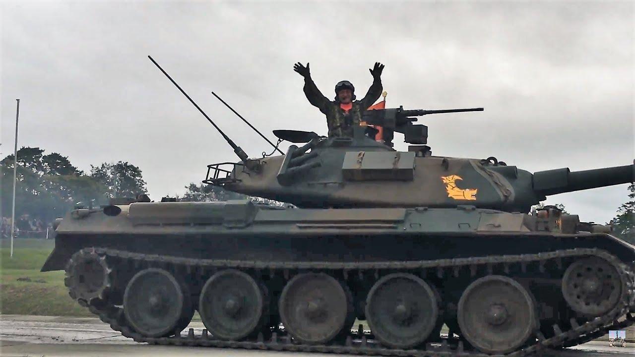 74式戦車だらけの観閲行進‼ 今津...