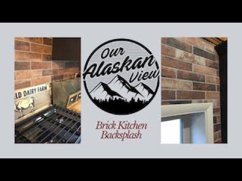 brick-kitchen-backsplash--farmhouse-style-kitchen-decor
