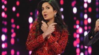 Katrina Kaif Perform On Chikni Chameli At Umang 2016