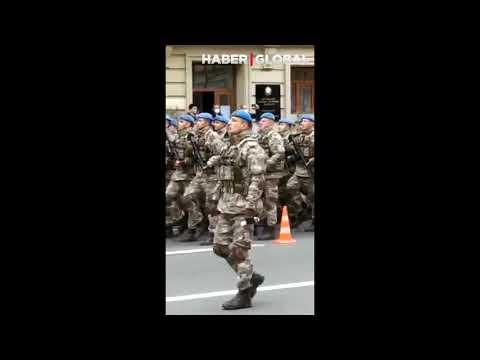 Mehmetçik Bakü'de! Türk askeri 10 Aralık Zafer Geçidi İçin Bakü Sokaklarında Prova Yapıyor!