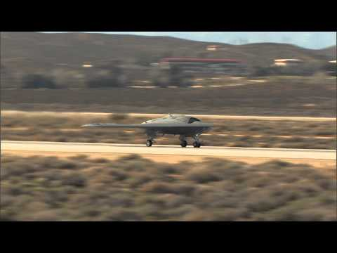 Northrop Grumman X-47B UCAS-D first flight (HD version)
