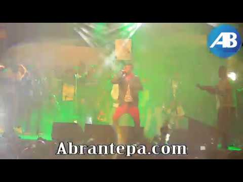 Shatta Wale performs with Stonebwoy at 'Ashaiman To The World' concert