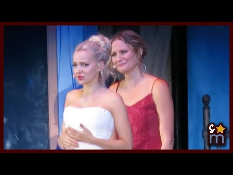 "Jennifer Nettles & Dove Cameron - ""Slipping Through My Fingers"" - Mamma Mia! - Hollywood Bowl 2017"