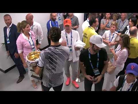 ROGER FEDERER CELEBRATES WIN WITH MIRKA His WIFE Australian Open 2017
