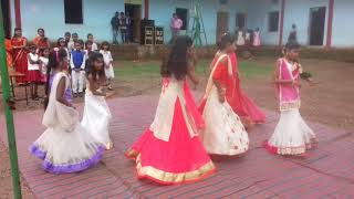 Laung we main lanchi .... School performance dace by Mahi ,Lovely,Riya,Rubi,Swati and Shalini Singh