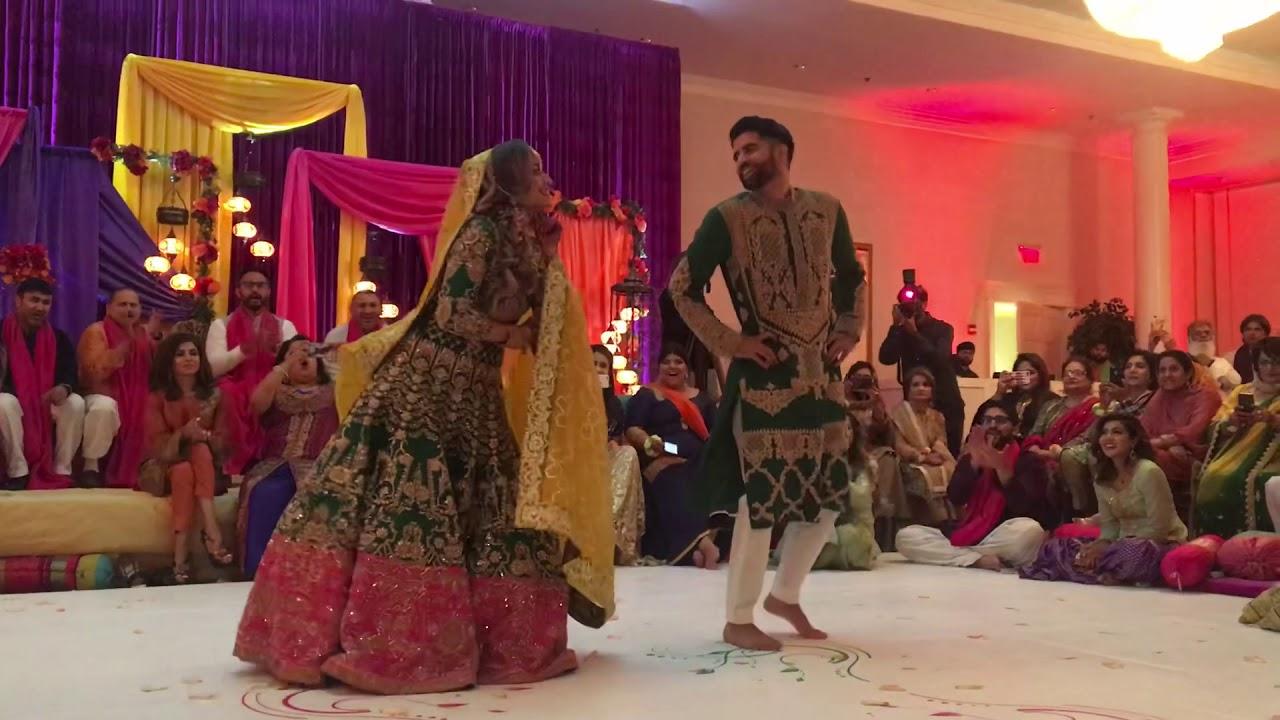'Chal Pyaar Karegi' Mendhi Dance