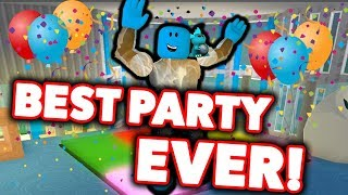 I WAS INVITED TO THE BIGGEST PARTY IN ROBLOX BLOXBURG!